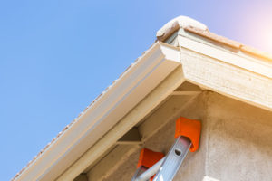 Los Gatos roofers replace gutters